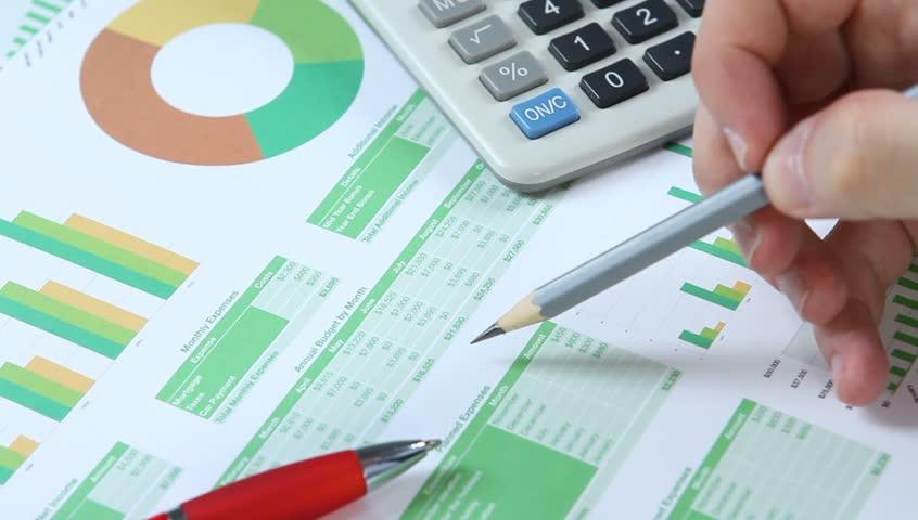 Analyzing green financial report