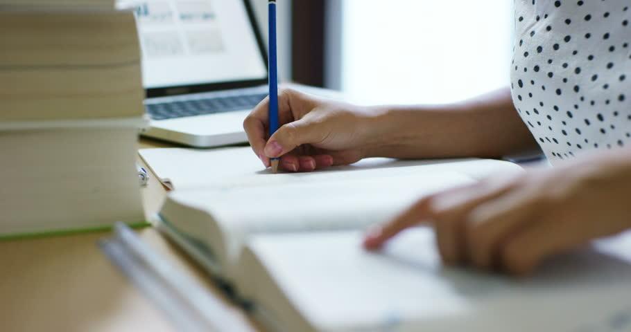 Find an Online Essay Writing Tutor - Tutor