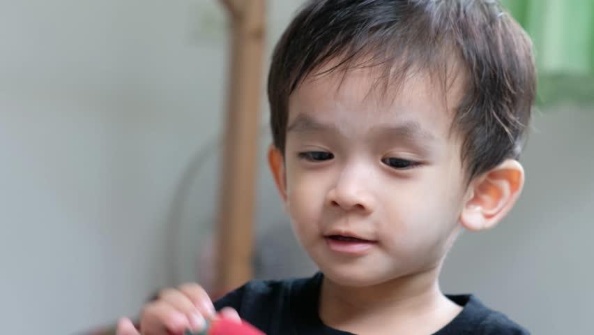 Asian facial clip