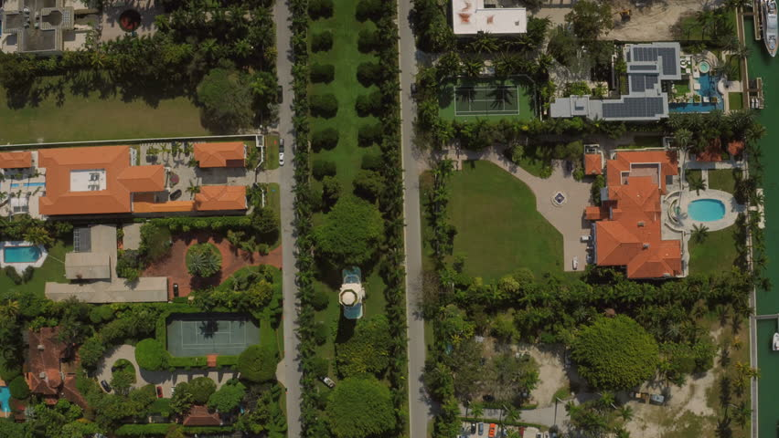 Miami Aerial v58 Flying over Star Island looking down vertically.