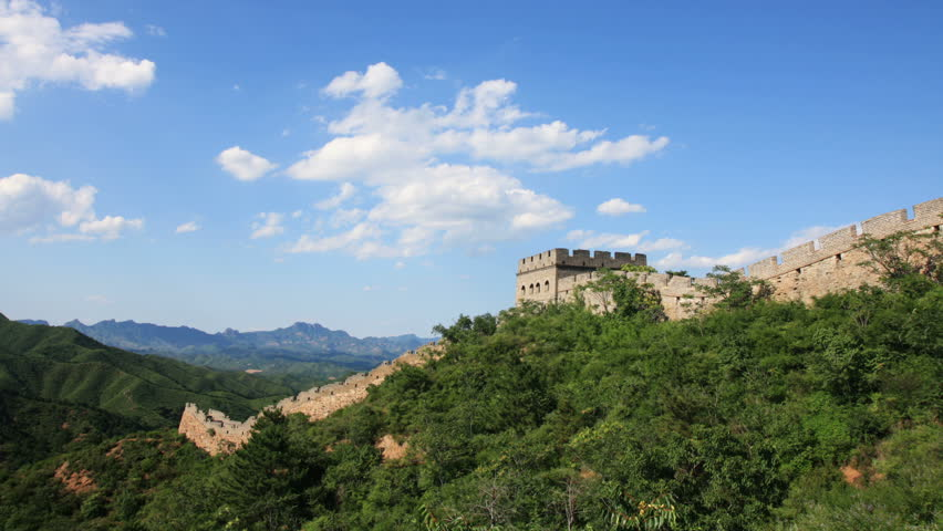the Great Wall with motion white cloud, time lapse