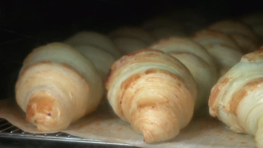 Time lapse croissants baking