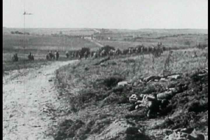 1910s - Battlefield footage from World War One, 1917.