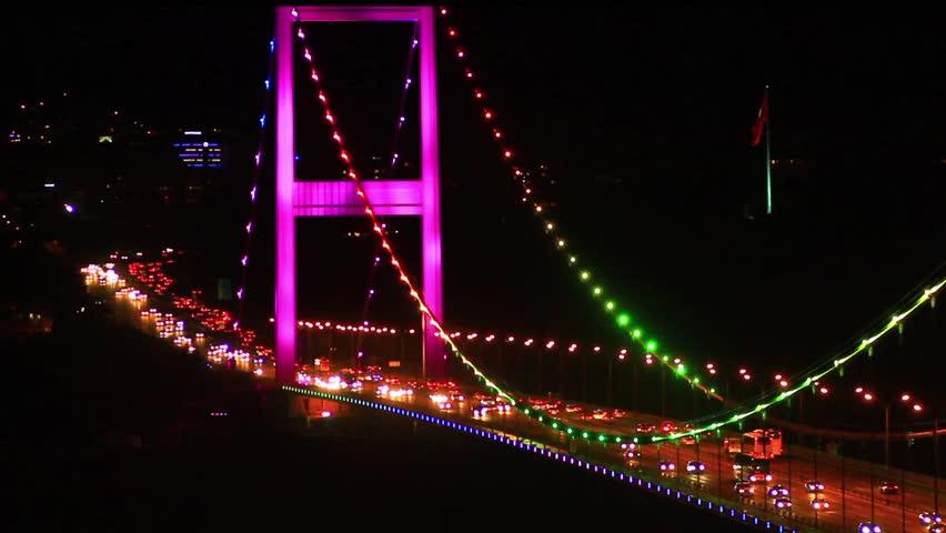 Heavy car traffic on the bridge