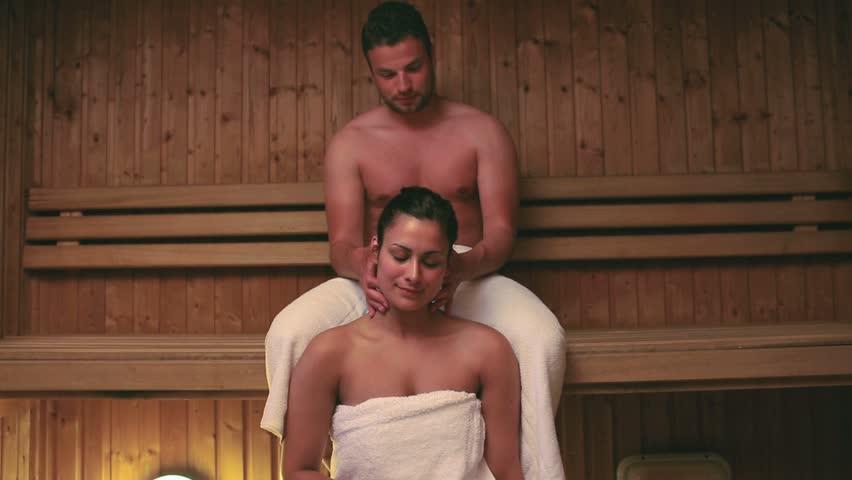 с подружкой в бане видео