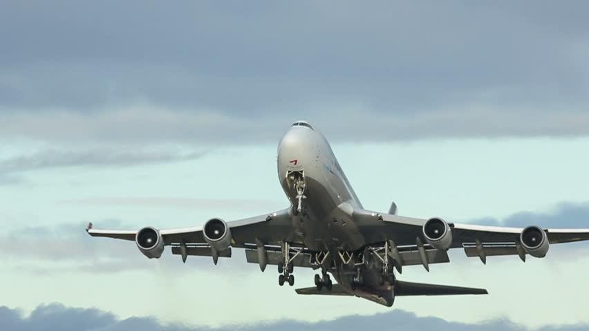 OSLO NORWAY - NOV 4 2013: Qatar Airways, Boeing 787-8 Dreamliner makes a perfect