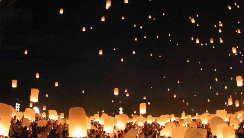 Floating lanterns in Yee Peng Festival, Loy Krathong celebration in Chiangmai, Thailand. | Shutterstock HD Video #5112404
