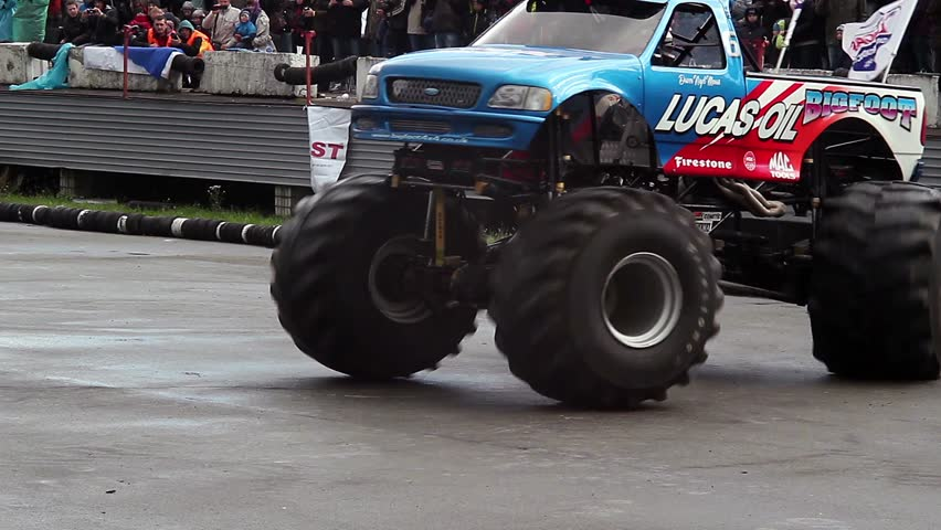 Kiev Ukraine September Bigfoot Crash Show Monster