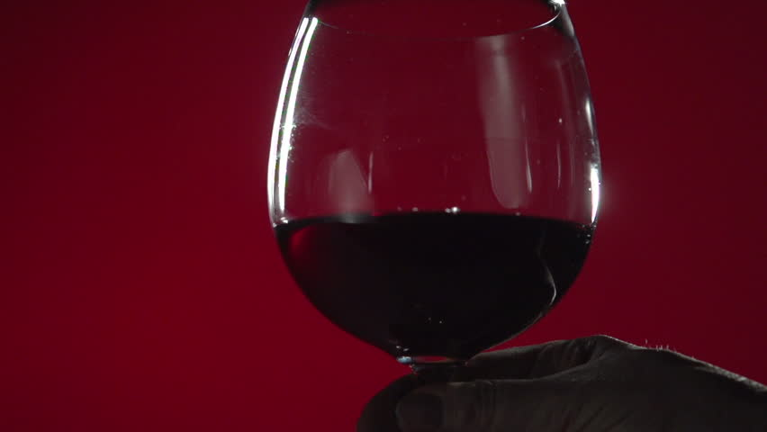 a glass of red The favorite choice for the term red wine is 1 5 fluid ounce serving of red table wine which has about 38 grams of carbohydratethe total carbohyrate, sugar, fiber and estimated net carbs (non-fiber carbs) for a variety of types and serving sizes of red wine is shown below.