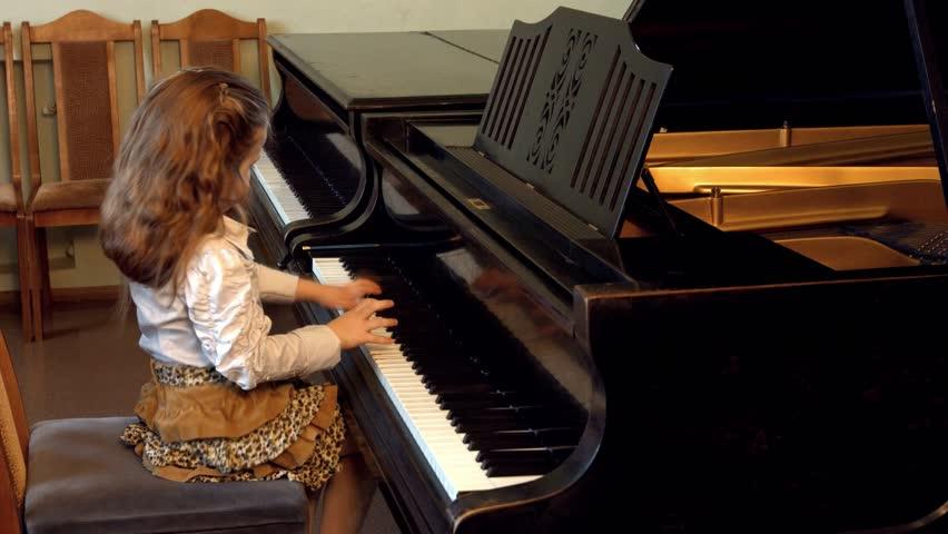 Cute little girl plaing grand piano, 4k, Dance of the Aborigines by Yoshinao Nakada